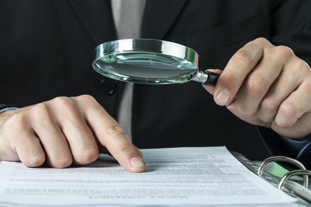 Wir lassen Sie nicht mit dem Kleingedruckten in Ihrer Autoversicherung alleine. Als Fachanwalt für Versicherungsecht beraten wir Sie bei allen Problemen mit der Voll- und TEilkaskoversicherung.