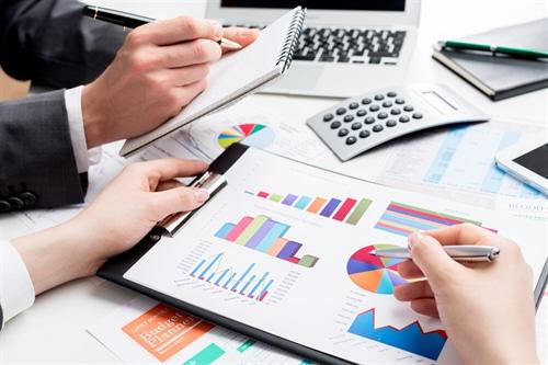 Unter dem Begriff Firmenversicherungrn werden eine Vielzahl von unterschiedlichen Versicherungen angeboten.