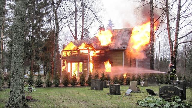 Hausratversicherung – Mithaftung bei Gebäudebrand