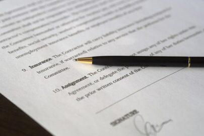 Versicherungsvertrag: Aufklärungspflicht des Versicherungsnehmers über gefahrerhöhende Umstände