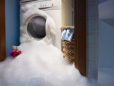 Ausgelaufene Waschmaschine - Unbeaufsichtigt