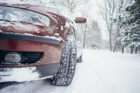 Fahren mit Sommerreifen bei Schnee