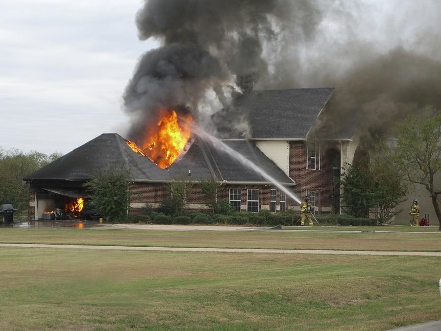 Haus- oder Wohnungsbrand - Versicherung