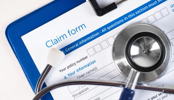 Für Erklärung der Arglistanfechtung des Versicherers gilt zehnjährige Ausschlussfrist