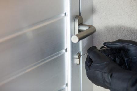 """Einbruchdiebstahl - manuelles Sperren eines Schließzylinders - """"Picking"""""""