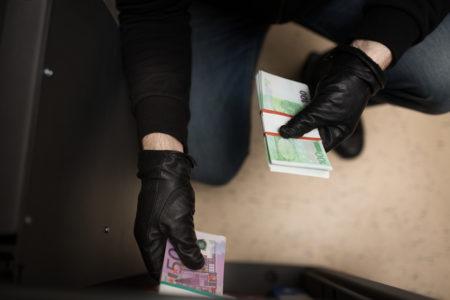 Ersetzt die Hausratsversicherung nach einem Einbruch auch Bargeld?