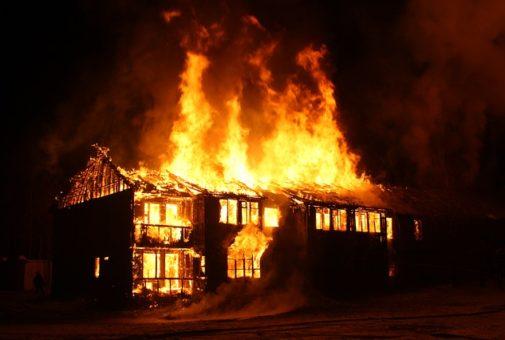 Wohngebäudeversicherung - Ausschluss des Regressverzichts bei grober Fahrlässigkeit
