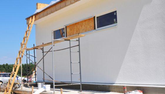 Wohngebäudeversicherung: Reparaturversuch während eines andauernden Sturms - Leistungskürzung