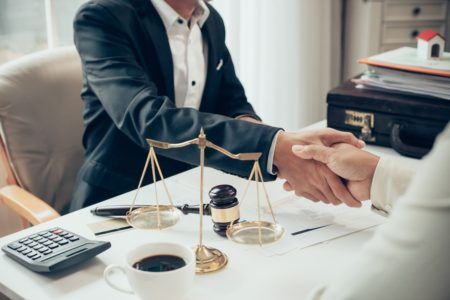 Rechtsschutzversicherung: Versicherungsschutz bei Kündigungsandrohung und Angebot zum Abschluss eines Aufhebungsvertrages