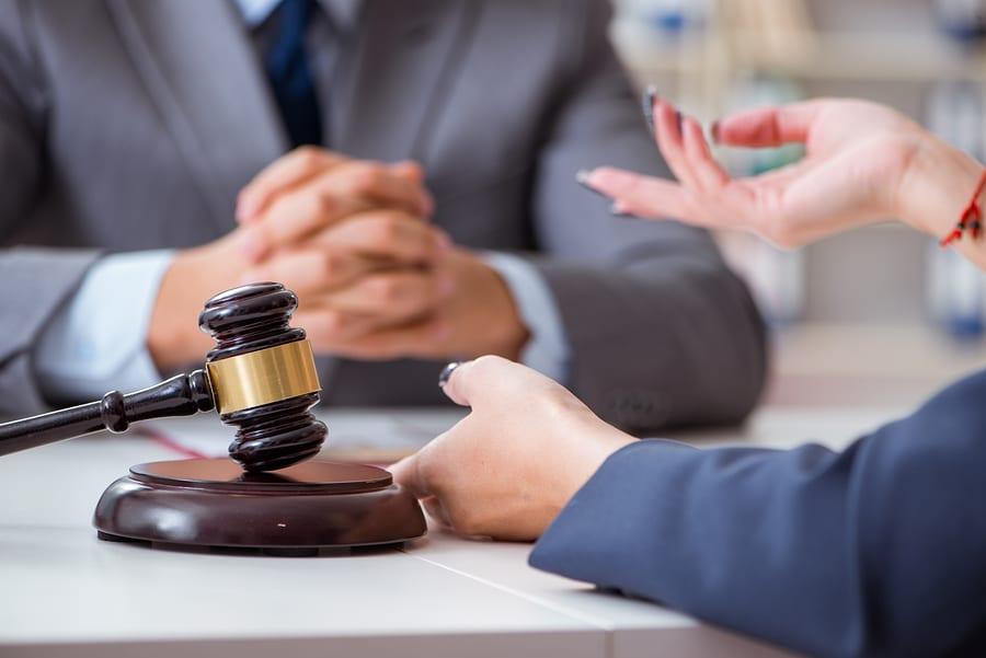 Ablehnung eines Sachverständigen wegen Befangenheit in einem Prozess gegen eine Versicherung
