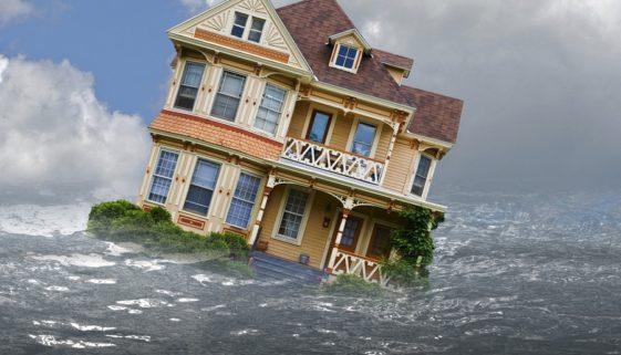 Hausratversicherung: Versicherungsnehmer muss bei Wasserschaden nicht die billigste Ersatz-Unterbringung wählen