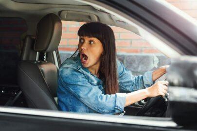 Verkehrsunfallflucht eines Versicherungsnehmers - Regress der Kfz-Haftpflichtversicherung und Kausalitätsgegenbeweis