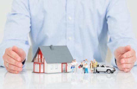 Mietvertrag - Mieterpflicht zum Abschluss von Hausrat- und Haftpflichtversicherung