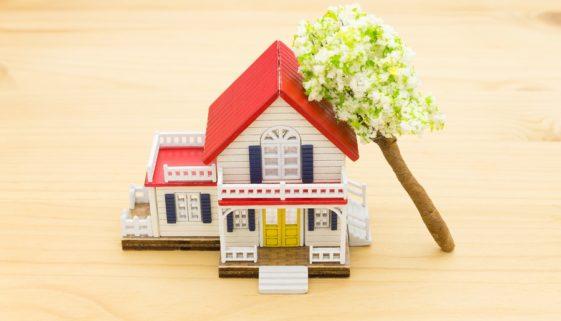 Wohngebäudeversicherung – Welche Schäden sind bei Sturm und Hagel versichert?