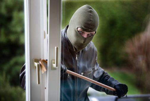 Einbruchdiebstahlversicherung: Vortäuschen eines Einbruchdiebstahls und Vandalismusschäden