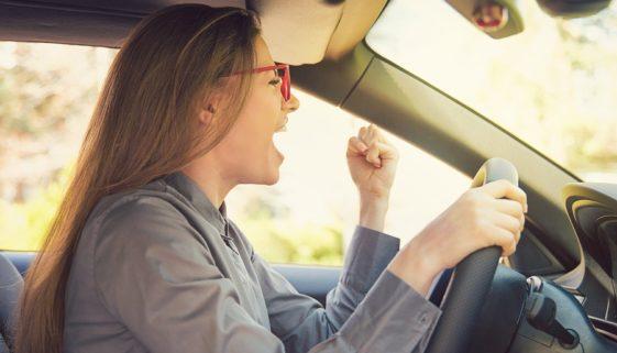 Vollkaskoversicherung – Leistungsanspruch bei Entfernen vom Unfallort