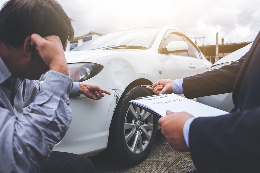 Einschaltung Rechtsanwalt noch Autounfall erforderlich