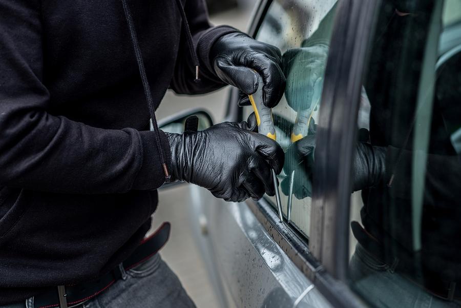 Kaskoversicherung – Fahrzeugdiebstahl und Zeugen ohne Beweiskraft