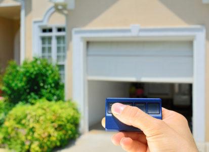 Privathaftpflichtversicherung – Eintrittspflicht bei Schaden durch fernbedientes Garagentor