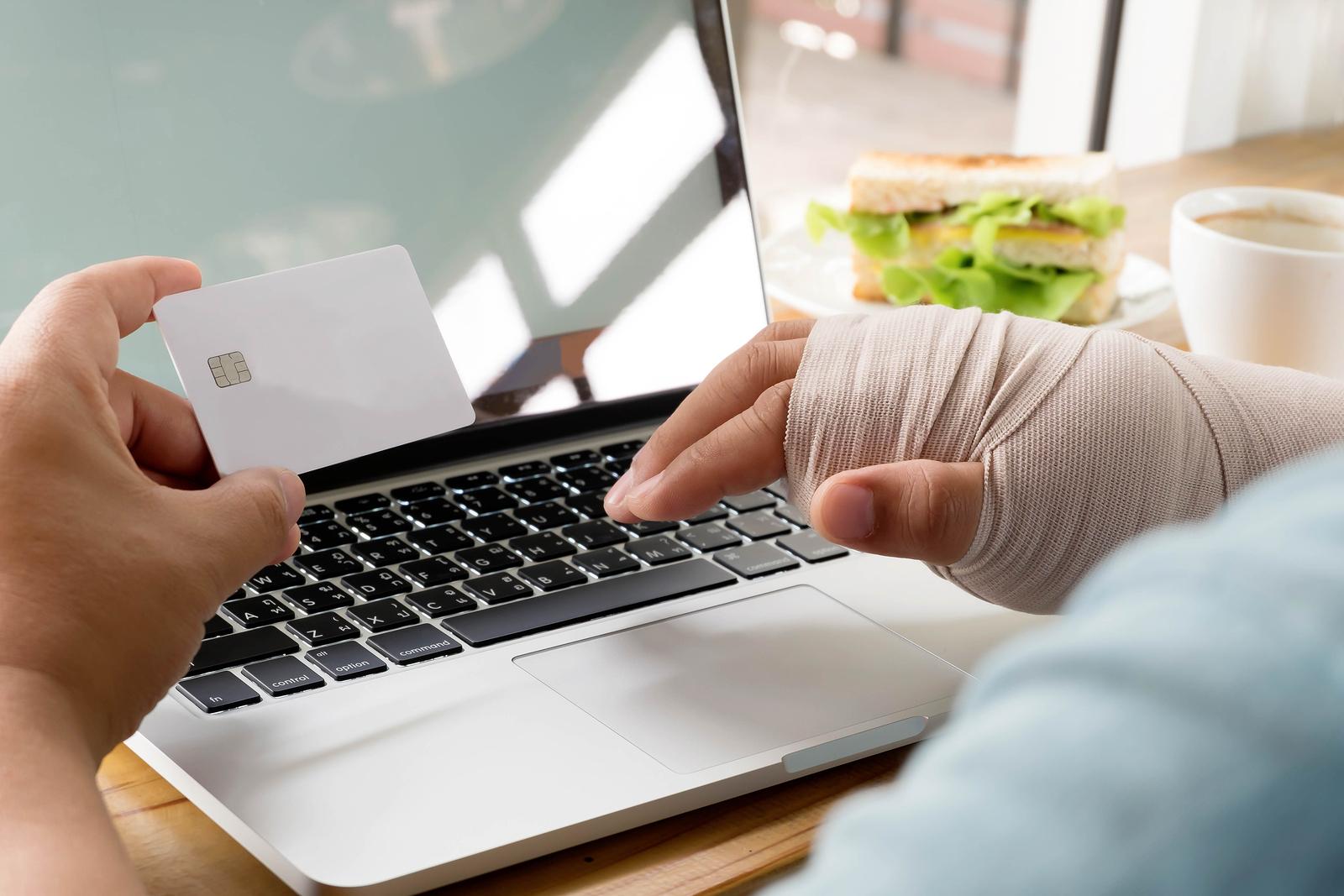 Unfallversicherung für fremde Rechnung - Adressat der Hinweise