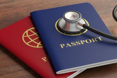 Auslandsreise-Krankenversicherung - Anspruchsausschluss bei Wohnsitz im Ausland