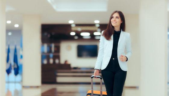 Hausratversicherung - Erstattung von Hotelkosten bei Unbenutzbarkeit der Wohnung
