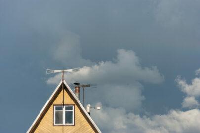 Gebäudeversicherung – Wann liegt ein versicherter Sturmschaden vor?