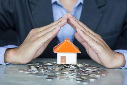 Hausratversicherung: Unverhältnismäßigkeit der Reparaturkosten bei verbleibendem Schönheitsschaden