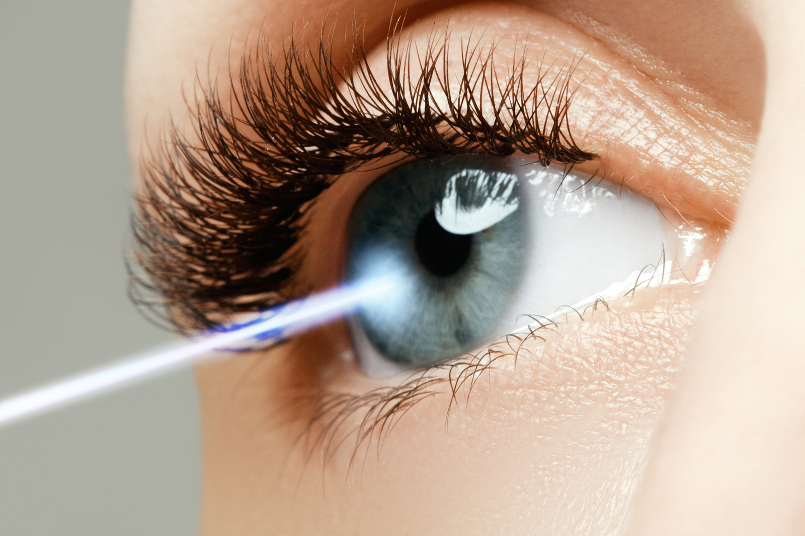 Krankenversicherung – Augenoperation mit Femto-Laser - Kostenerstattungsanspruch