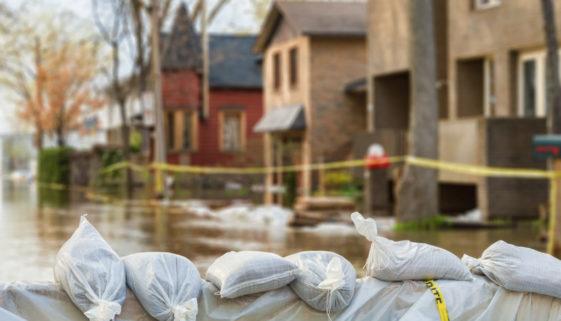 Wohngebäudeversicherung - Überschwemmung des versicherten Grundstücks