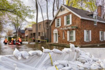 Wohngebäudeversicherung - Überschwemmung eines Grundstücks
