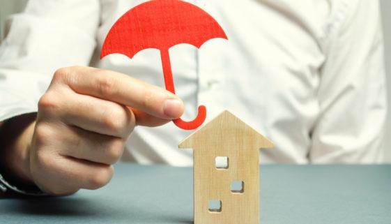 Wohngebäudeversicherung - Fristablauf - strenge Wiederherstellungsklausel