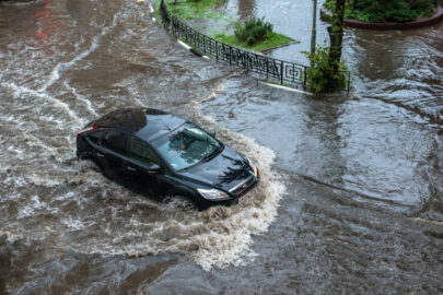 Teilkaskoversicherung – Beweislast für Überschwemmungsschaden