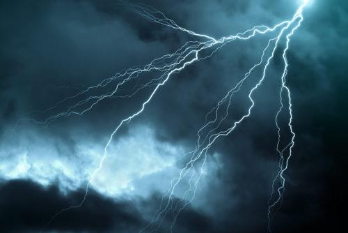 Versicherung gegen Blitz- und Überspannungsschäden - Kostenerstattung für Notreparatur