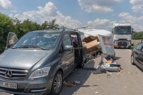 Vollkaskoversicherung - Kollision des versicherten Fahrzeuges mit seinem Anhänger
