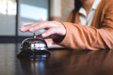 Hausratversicherung - Erstattung von Hotelkosten bei Unbewohnbarkeit der Wohnung