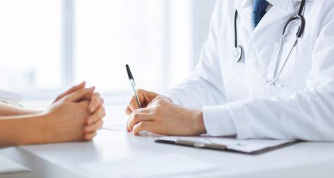 Private Krankenversicherung – Kostendeckung für alternative Behandlungsmethode bei unheilbarer Erkrankung