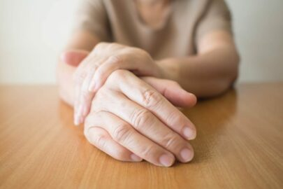 Unfallversicherung - Leistungsausschluss bei dissoziativen Bewegungsstörungen