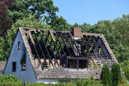 Brandschaden - Was zahlt die Gebäudeversicherung?