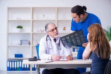 Unfallversicherung - Beurteilungszeitpunkt für die gerichtliche Erstbemessung der Invalidität