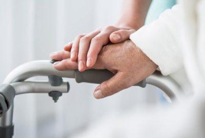 Krankheitskostenversicherung - Kostenerstattung für eine häusliche 24-Stunden-Krankenbeobachtung