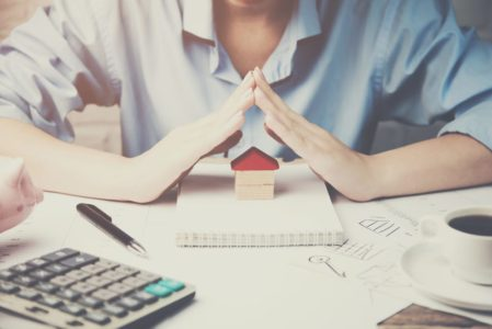 Hausratversicherung - Klausel über den Einwendungsverzicht bei grober Fahrlässigkeit