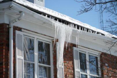 Gebäudeversicherung - fahrlässige Obliegenheitspflichtverletzung bei Frostschaden in Ferienhaus