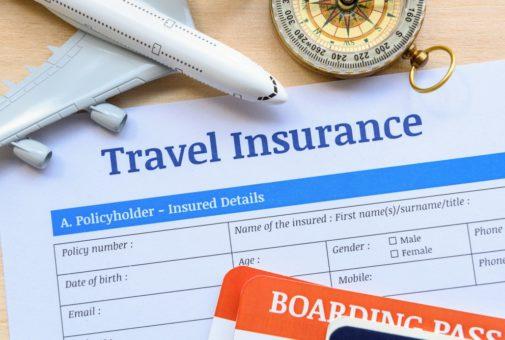 Reise-Rücktrittskosten-Versicherung - Reiseunfähigkeit wegen alkoholbedingter Leberschädigung