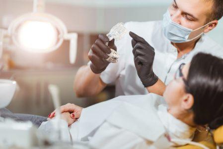 Berufshaftpflichtversicherung eines Zahnarztes - Direktanspruchs eines geschädigten Patienten?