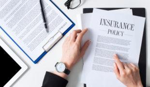 Versicherungsvertrag - unzutreffendes Schreiben des Versicherers an Bezugsberechtigten