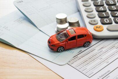 Prämienverzug in der Kraftfahrzeugversicherung - Kontoführungsgebühren und Bonitätsauskunft