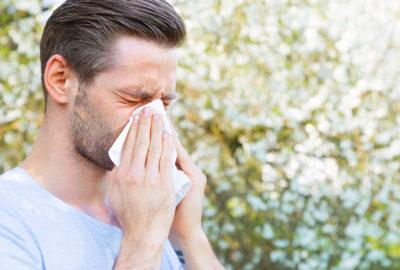 Berufsunfähigkeits-Zusatzversicherung - Nichtangabe einer Pollenallergie im Versicherungsantrag