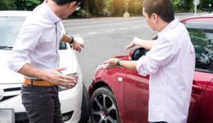 Kfz-Kaskoversicherung - Vorliegen eines fingierten Verkehrsunfalls