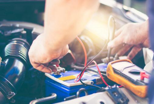 Privathaftpflichtversicherung - reparaturbedingtes Starten des Motors eines Kfz durch Dritten